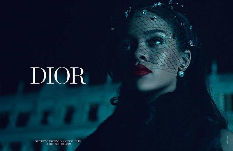 ClioMakeUp-Rihanna-coolspotting-look-capelli-make-up-trucco-capelli-dior-campaign-rossetto-metal