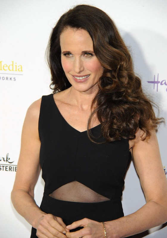 Cliomakeup-over-50-60-capelli-lunghi-star-Andie-MacDowell