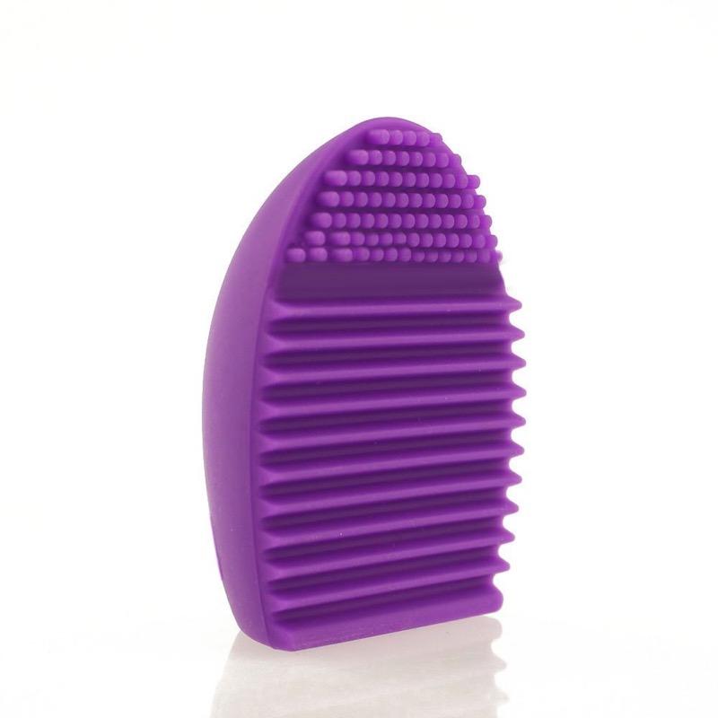 Cliomakeup-pulire-lavare-pennelli-guanto-ovetto-silicone