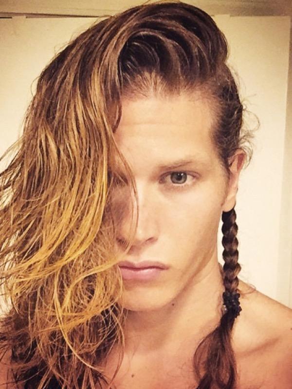 Cliomakeup-uomini-trecce-capelli-lunghi-Christian-Grosskopf