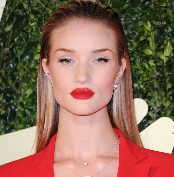 Rosie Huntington Whiteley che sta uscendo