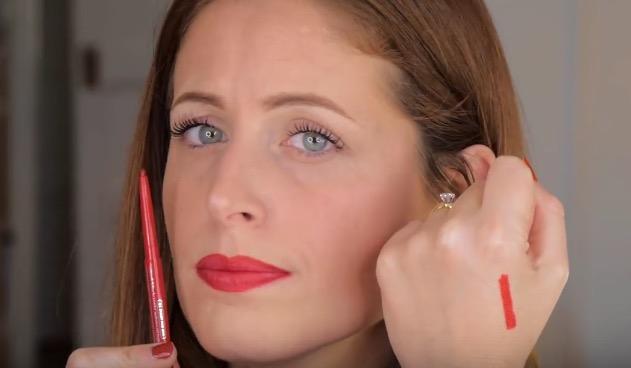 matita labbra rossa essence