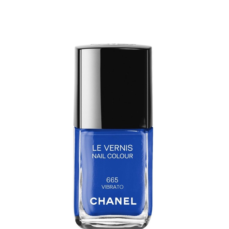 cliomakeup-nail-art-semplici-veloci-13-smalto-blu-chanel