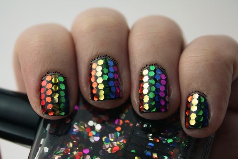 cliomakeup-rainbow-nails