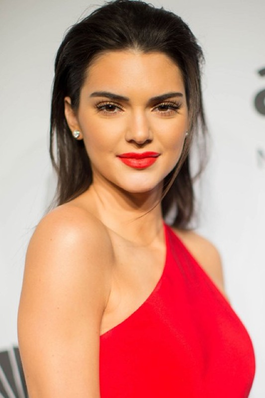 Kendall Jenner rossetto rosso