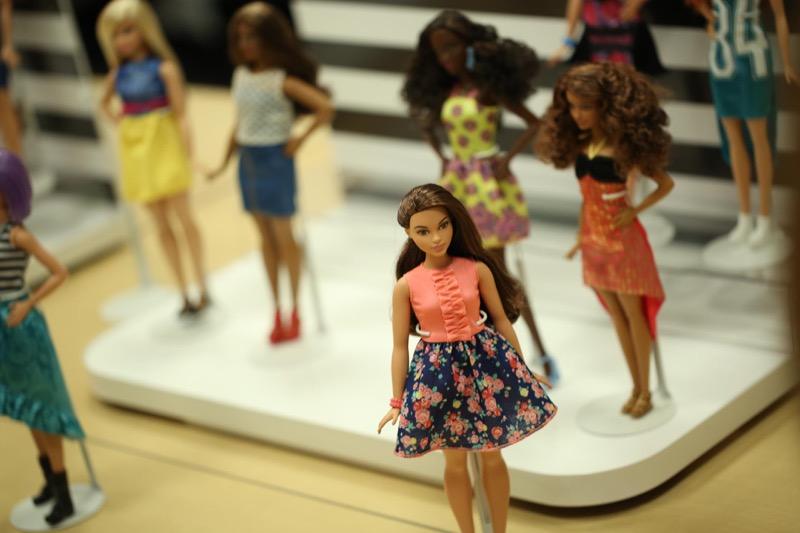 ClioMakeUp-Barbie-evoluzione-taglie-altezze-curvy-petite-tall-nuove-carngioni-1-1