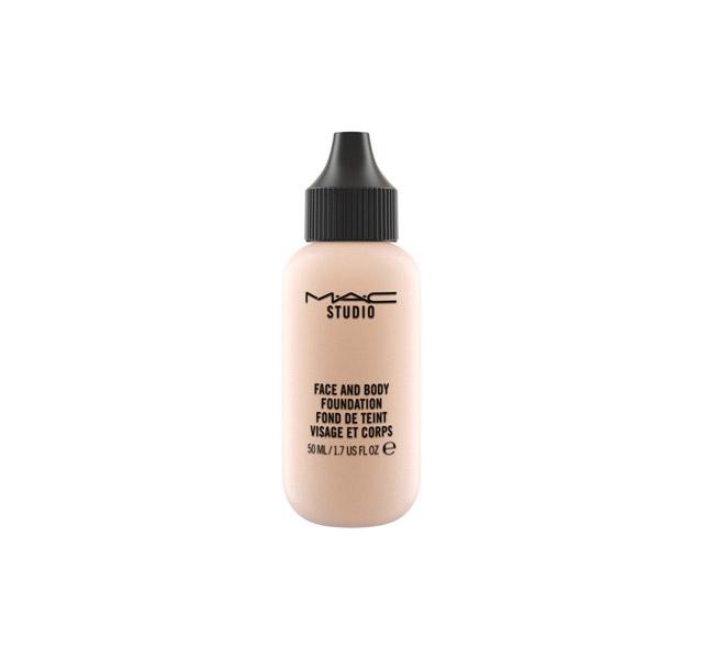 ClioMakeUp-errori-trucco-makeup-fondotinta-face-body-mac