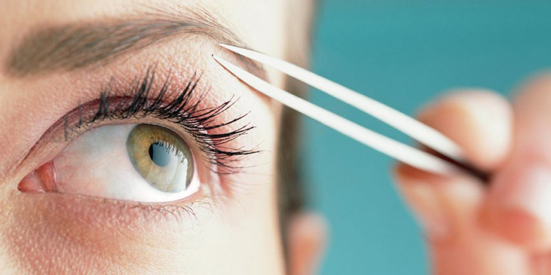 cliomakeup-strumenti-chirurgici-forbicine-pinzette-sopracciglia-unghie-cuticole-punti-neri-11