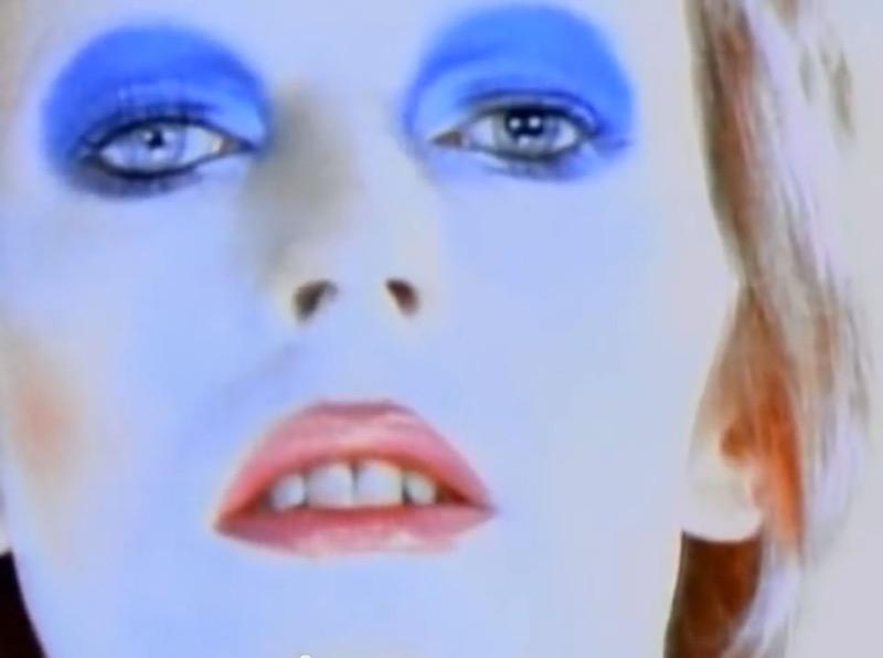ClioMakeUp-David-Bowie-makeup-trucco-beuaty-look-1971