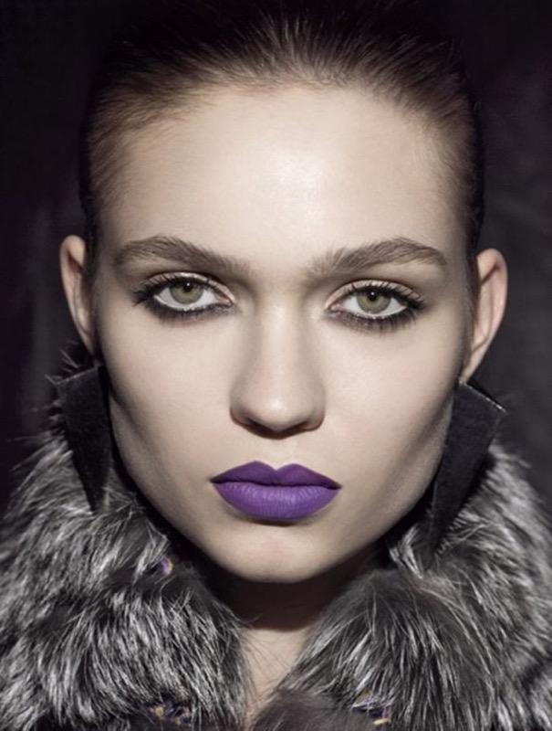 ClioMakeUp-colorito-spento-incarnato-luminoso-pelle-rimedi-rossetto-viola-freddoClioMakeUp-colorito-spento-incarnato-luminoso-pelle-rimedi-rossetto-viola-freddo