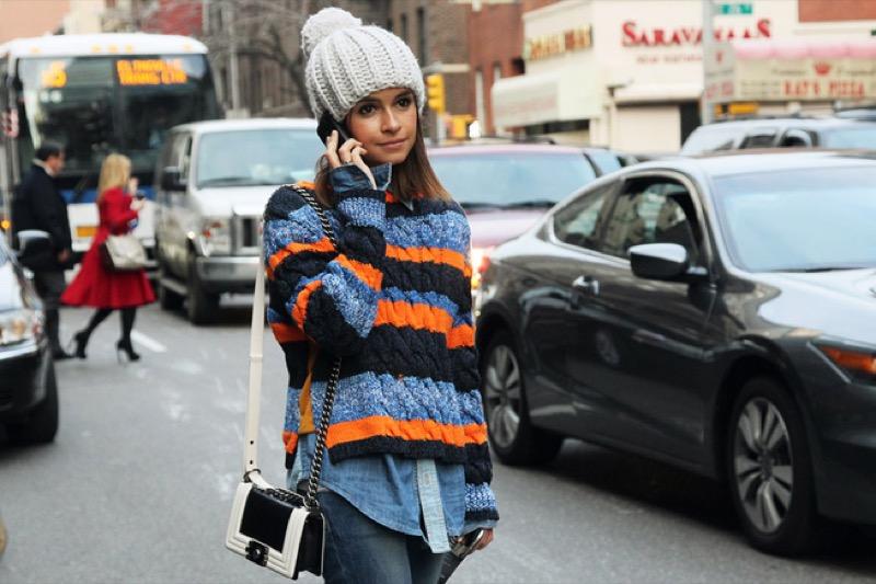 ClioMakeUp-moda-cappotto-maglione-guanti-cappa-caldo-inverno-2016-saldi-asos-cappello-mire-dum