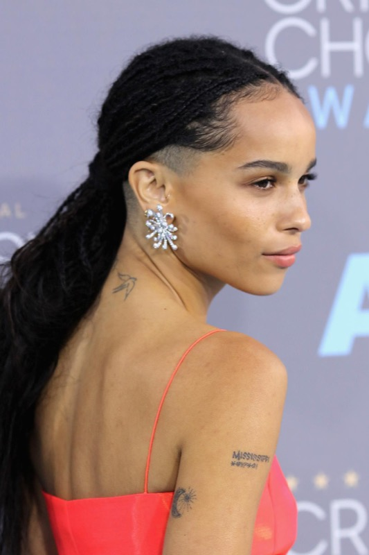 ClioMakeUp-Critics-Choice-Awards-look-beauty-trucco-make-up-vestito-capelli-zoe-kravitz