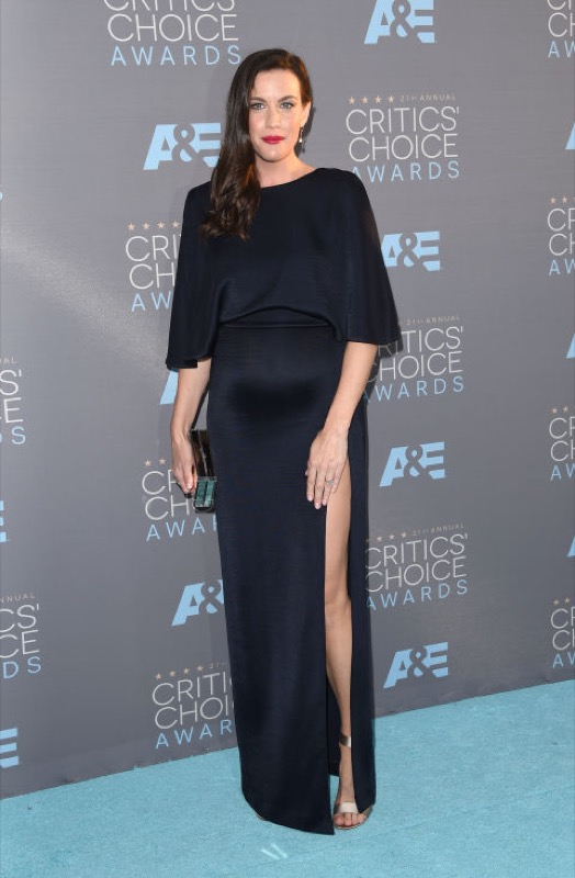 ClioMakeUp-Critics-Choice-Awards-look-beauty-trucco-make-up-vestito-liv-tyler-Cushnie-Ochs
