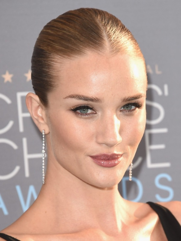 ClioMakeUp-Critics-Choice-Awards-look-beauty-trucco-make-up-vestito-rosie-huntington-whiteley-1