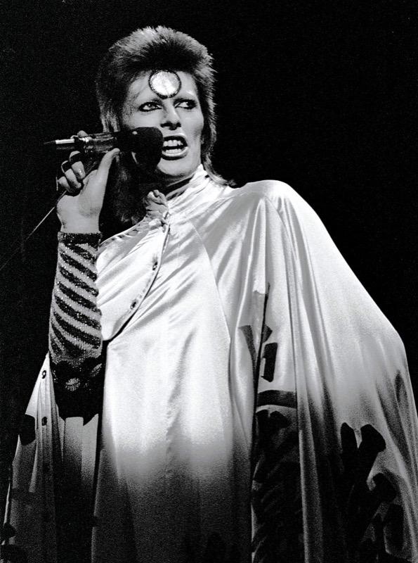 ClioMakeUp-David-Bowie-makeup-trucco-beuaty-look-stardust-aladdin-sane