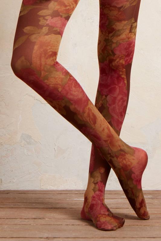 18804efc80 Collant e calze (non della Befana): le più belle, geniali, utili ...