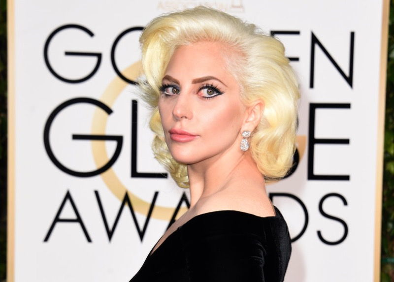 ClioMakeUp-golden-globes-star-red-carpet-beauty-look-lady-gaga-trucco