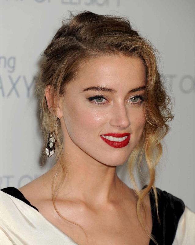 ClioMakeUp-meglio-truccata-miglior-look-makeover-top-anno-2015-star-Amber-heard