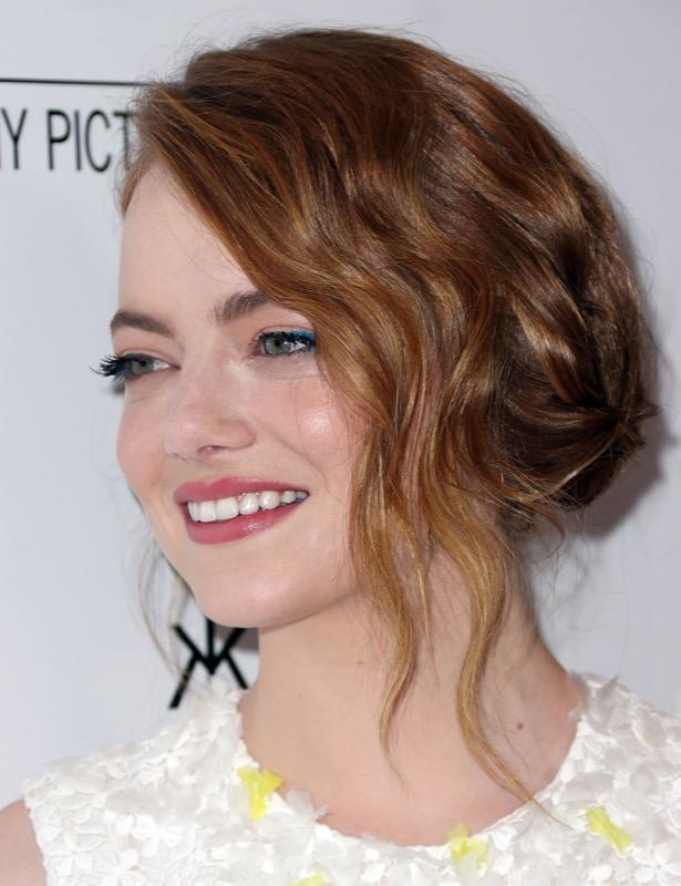 ClioMakeUp-meglio-truccata-miglior-look-makeover-top-anno-2015-star-emma-stone-taglio-capelli
