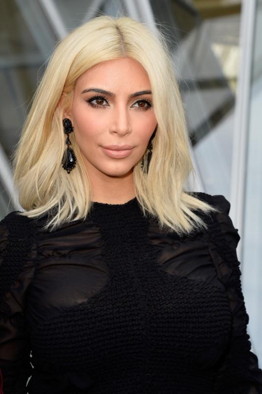 ClioMakeUp-meglio-truccata-miglior-look-makeover-top-anno-2015-star-kim-kardashian-bionda-capelli