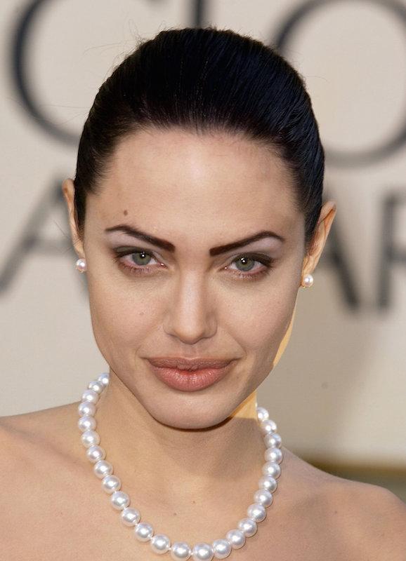 ClioMakeUp-sopracciglia-tatuate-tatuaggio-trucco-permanente-Angelina-Jolie-2002