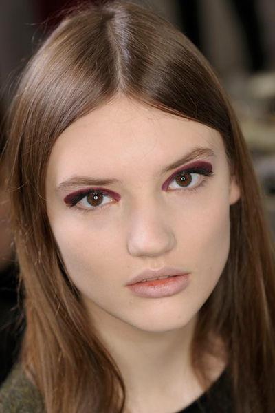 cliomakeup-eyeliner-grafico-sperimentale-idee-15-bicolore