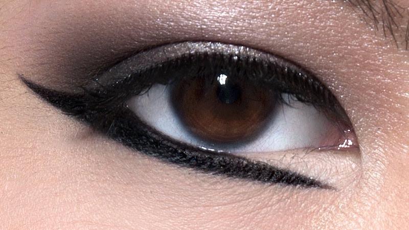 cliomakeup-eyeliner-grafico-sperimentale-idee-21-palpebra-inferiore