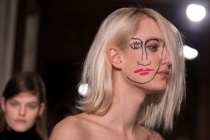 cliomakeup-eyeliner-grafico-sperimentale-idee-8-quadro
