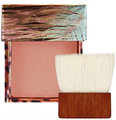 cliomakeup-trucco-colore-pesca-abbinamenti-viso-occhi-labbra-blush-coralista-benefit