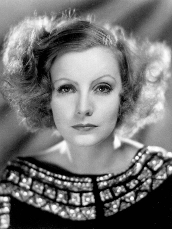 ClioMakeUp-trucco-anni-30-stile-capelli-make-up-trend-oggi-ieri-greta-garbo
