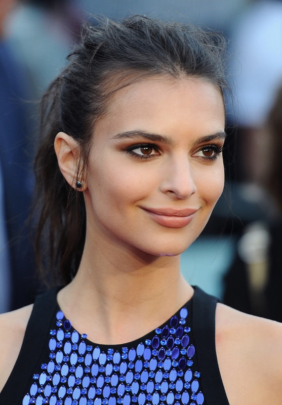 ClioMakeUp-coolspotting-segreti-bellezza-trucco-capelli-make-up-Emily-Ratajkowski-coda