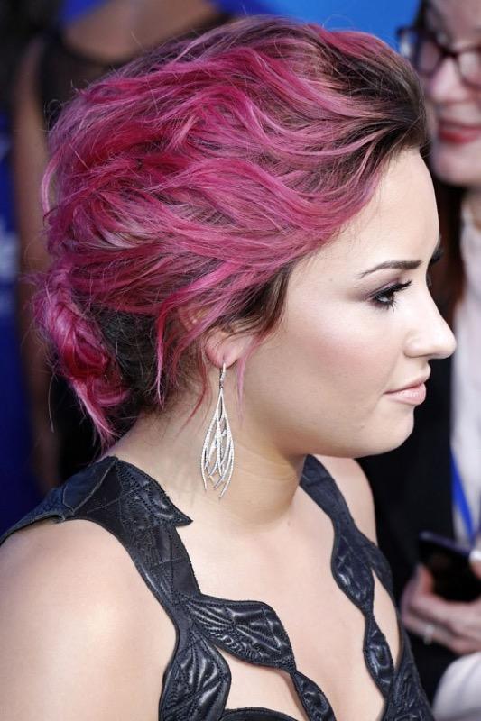cliomakeup-coolspotting-demi-lovato-trucchi-capelli-segreti-bellezza-colori-hairstyle-8