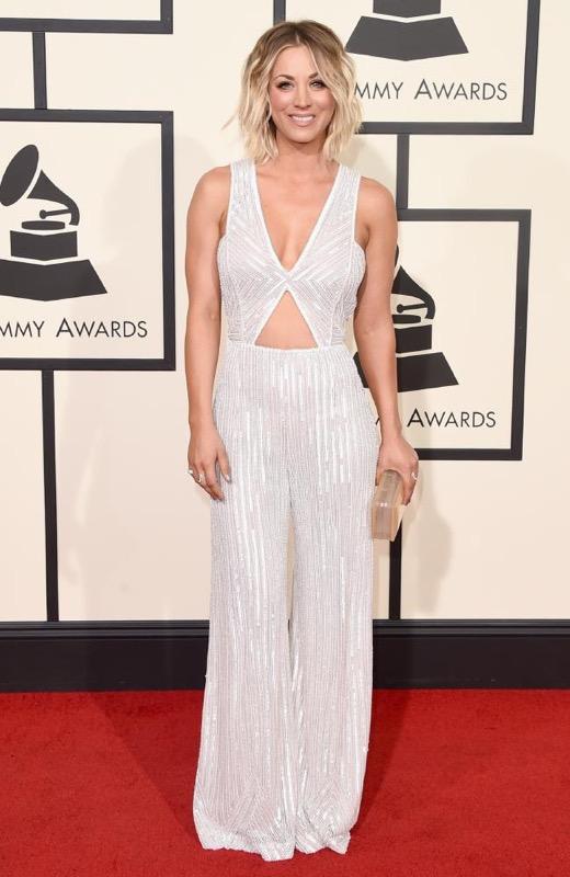 ClioMakeUp-Grammys-Red-Carpet-star-capelli-Makeup-trucco-2016-Kaley-Cuoco-vestito-1
