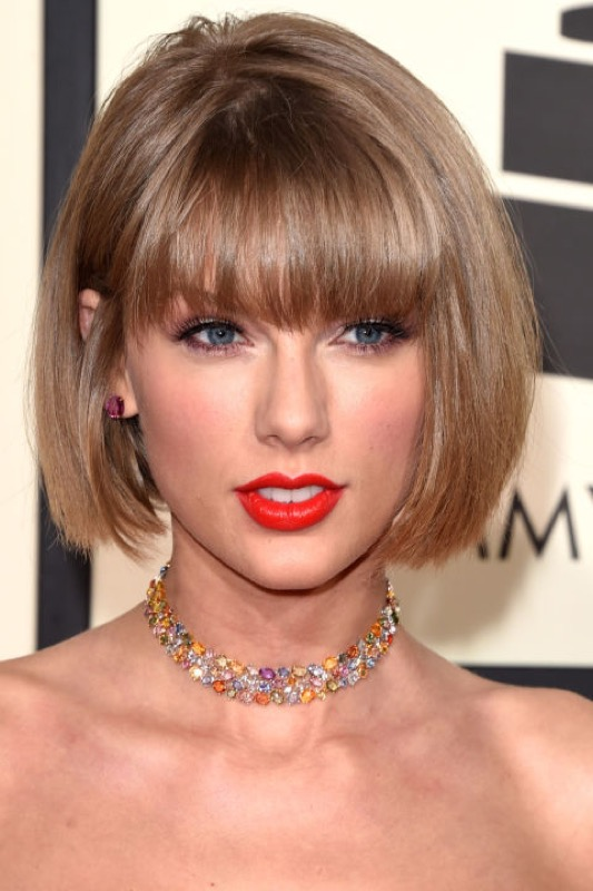 ClioMakeUp-Grammys-Red-Carpet-star-capelli-Makeup-trucco-2016-Taylor-Swift-look
