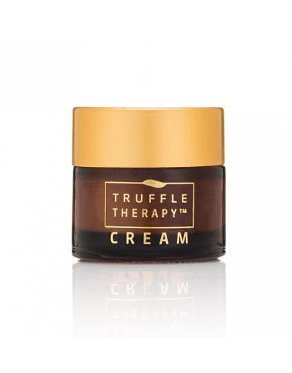 cliomakeup-whats-in-my-bag-borsa-clio-inverno-oggetti-prodotti-trucco-makeup-clio-truffle-therapy-cream-mini