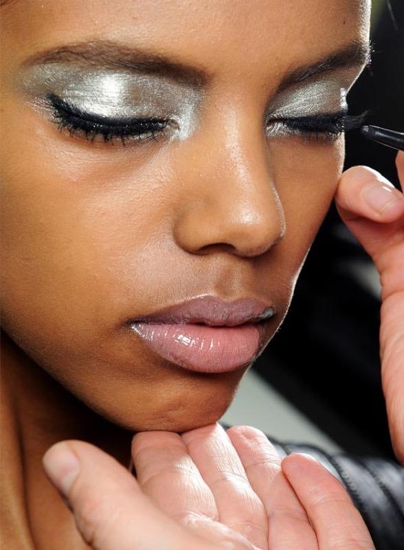 cliomakeup-trucchi-occhi-fantastici-coloratissimi-pigmenti-guida-occhi-labbra-makeup-1