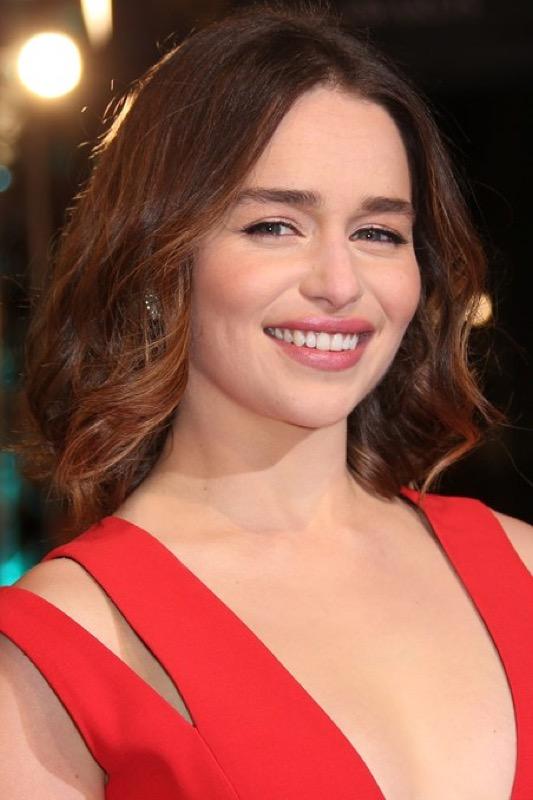 ClioMakeUp-bafta-2016-beauty-look-trucchi-emilia-clarke-makeup