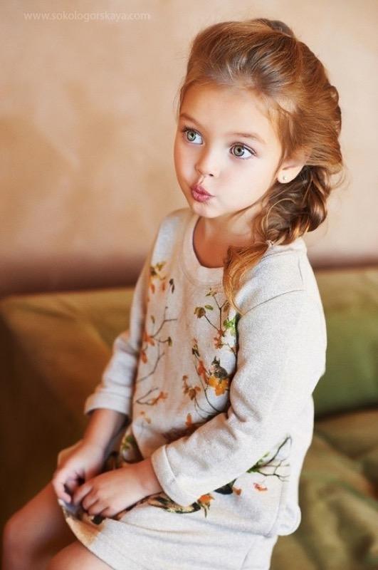 ClioMakeUp-modelle-bambina-più-bella-mondo-scandalo-Anna-Pavaga