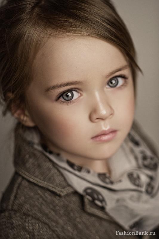 ClioMakeUp-modelle-bambina-più-bella-mondo-scandalo-Kristina-pimenova-baby-