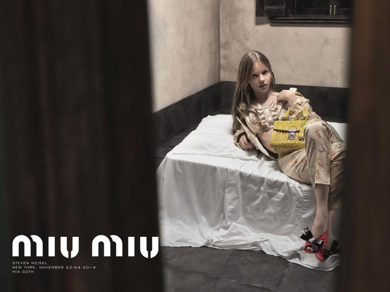 ClioMakeUp-modelle-bambina-più-bella-mondo-scandalo-mia-goth-miu-miu