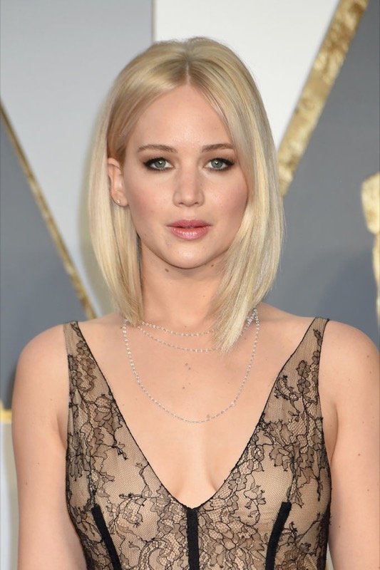 ClioMakeUp-oscar-2016-look-trucco-make-up-abiti-vestiti-capelli-jennifer-lawrence-beauty_