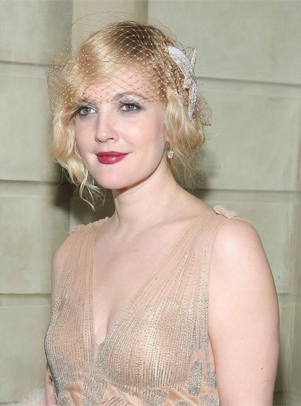 ClioMakeUp-trucco-anni-20-capelli-stile-festa-Drew-Barrymore-bionda