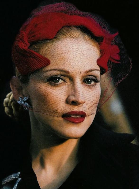 ClioMakeUp-trucco-anni-30-stile-capelli-make-up-trend-oggi-ieri-madonna-evita-peron