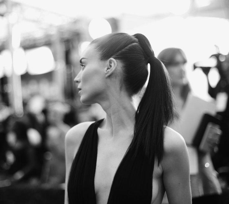 cliomakeup-coda-cavallo-6-idee-originali-Rooney-Mara-ponytail