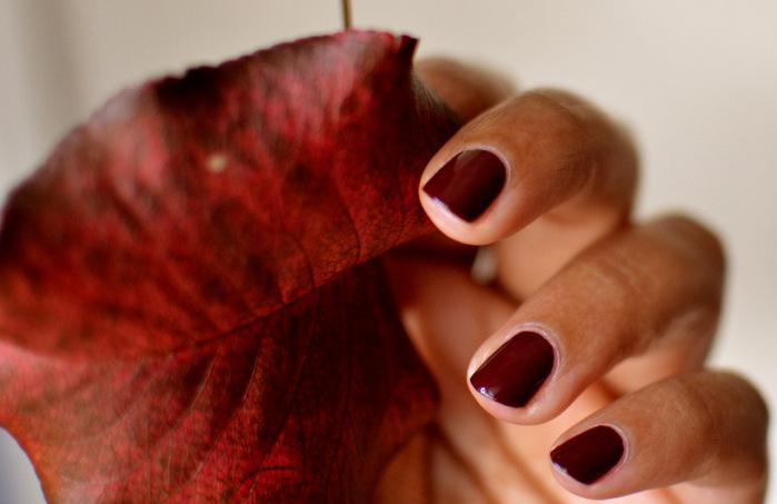 cliomakeup-migliore-smalto-rosso-5-pelle-scura.jpg