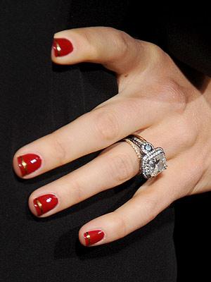 cliomakeup-unghie-smalti-san-valentino-18-elegante-rosso