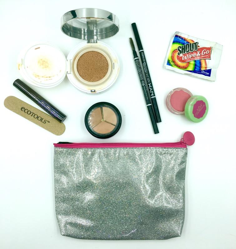 cliomakeup-whats-in-my-bag-borsa-clio-inverno-oggetti-prodotti-trucco-makeup-3
