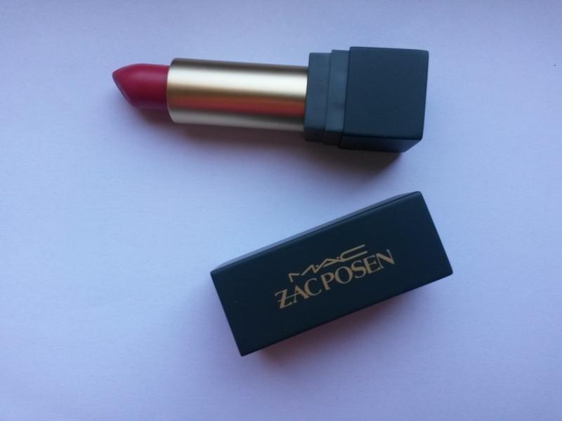 ClioMakeUp-recensione-mac-cosmetics-lipstick-zac-posen-macro2