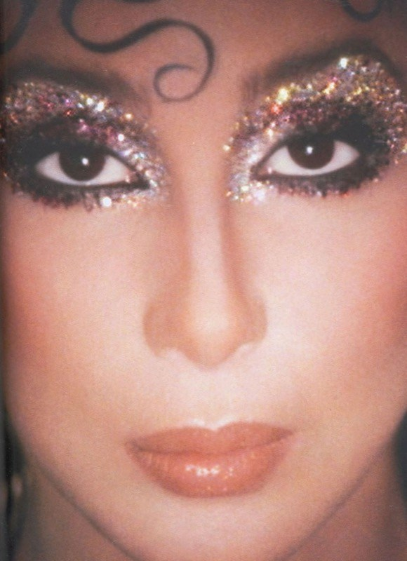 ClioMakeUp-trucco-anni-80-ottanta-stile-disco-punk-pop-cher-kevyn-aucoin-regina-isabella-glitter