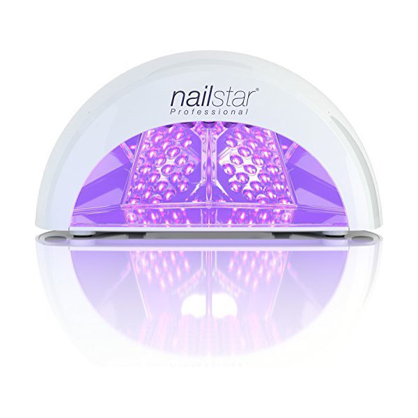cliomakeup-manicure-unghie-gel-semipermanente-4-lampada